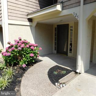Condominium for sale in 125 KINGS CROFT, Cherry Hill, NJ, 08034