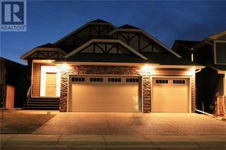 Single Family for sale in 312 Stonecrest Place W, Lethbridge, Alberta