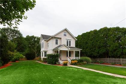 Residential for sale in 52 Lake Street, Wakefield-Peacedale, RI, 02879