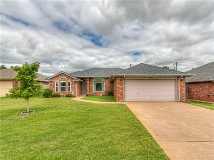 Residential for sale in 8925 NW 85th Place, Oklahoma City, OK, 73132
