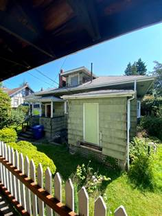 Multifamily for sale in 913 23rd Ave E, Seattle, WA, 98112