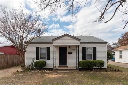 Residential for sale in 1729 Oakwood Street, Fort Worth, TX, 76111