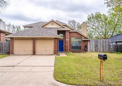 Residential for sale in 6217 Mercedes Drive, Arlington, TX, 76001