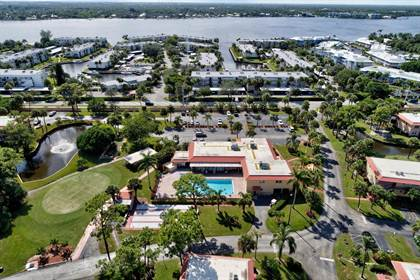 Residential Property for sale in 1907 SW Palm City Road Apt F, Stuart, FL, 34994
