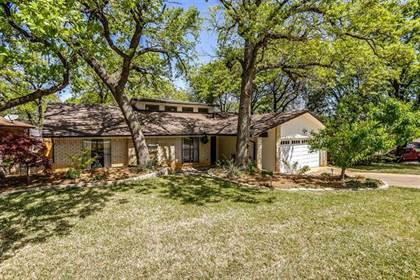 Residential for sale in 5707 Overridge Drive, Arlington, TX, 76017