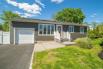 Residential Property for sale in 855 Peconic Avenue, West Babylon, NY, 11704
