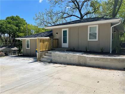 Multifamily for sale in 326 N Morse Avenue, Liberty, MO, 64068