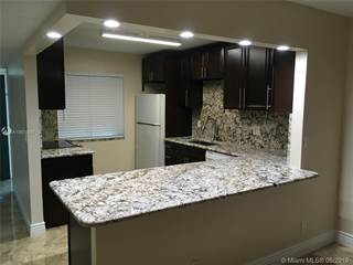 Condo for rent in 201 Lakeview DR 101, Weston, FL, 33326