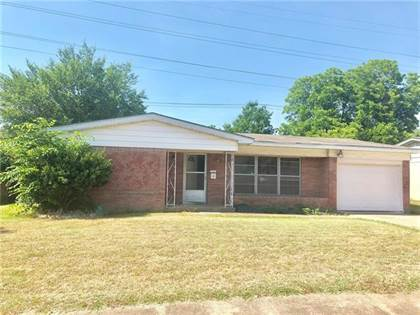 Residential for sale in 149 Berkshire Lane, Fort Worth, TX, 76134