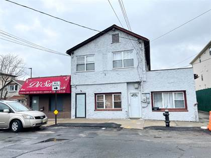 Multifamily for sale in 121 Roma Ave, Staten Island, NY, 10306