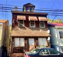 Single Family for sale in 1328 Lowrie St, Troy Hill, PA, 15212