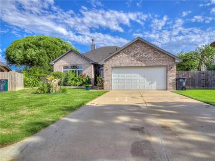 Residential for sale in 14401 Briarcliff Circle, Oklahoma City, OK, 73170