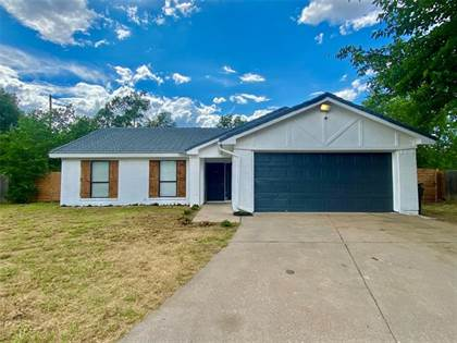 Residential for sale in 2901 Allen Court, Arlington, TX, 76014
