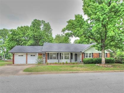 Residential Property for sale in 3807 E 59th Place, Tulsa, OK, 74135