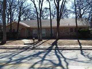 Single Family for rent in 211 W Ash Lane, Euless, TX, 76039