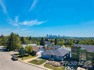 Residential Property for sale in 66 Cromwell Avenue NW, Calgary, Alberta, T2L0M7