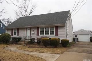 Single Family for sale in 16 Lillian Pl, Famingdale, NY, 11735