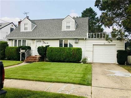 Residential Property for rent in 136 Arlington Street, Mineola, NY, 11501