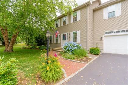 Residential Property for sale in 38 Davis Circle, Warwick, RI, 02886