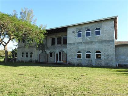 Residential for sale in 9240 SW 106th St, Miami, FL, 33176