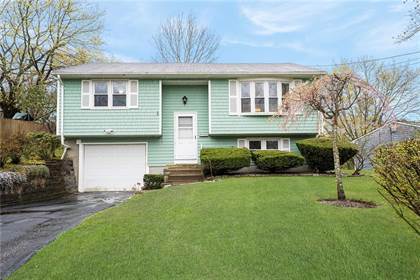 Residential for sale in 190 KENYON Avenue, East Greenwich, RI, 02818
