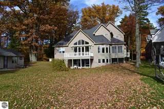 Single Family for sale in 8679 Deadstream Road, Honor, MI, 49640