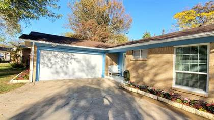 Residential for sale in 414 Falling Leaves Drive, Duncanville, TX, 75116
