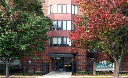 Apartment for rent in 1504 West Van Buren Street, Chicago, IL, 60607