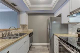 Condo for sale in 3704 Broadway 300, Fort Myers, FL, 33901