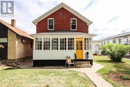 Single Family for sale in 823 4 Street SE, Medicine Hat, Alberta, T1A0L5