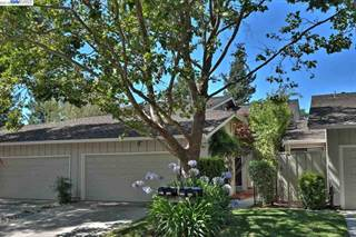 Condo for sale in 2213 Shoshone Cir, Danville, CA, 94526