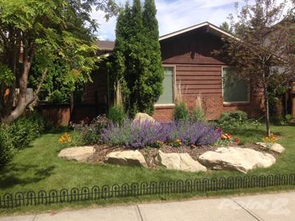 Residential for sale in 139 Shawcliffe Circle SW, Calgary, Alberta, T2Y 1J5