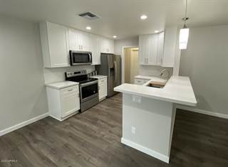 Townhouse for rent in 18234 N 25TH Way, Phoenix, AZ, 85032