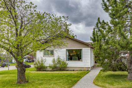 Single Family for sale in 47 Galway Crescent SW, Calgary, Alberta, T3E4Y2