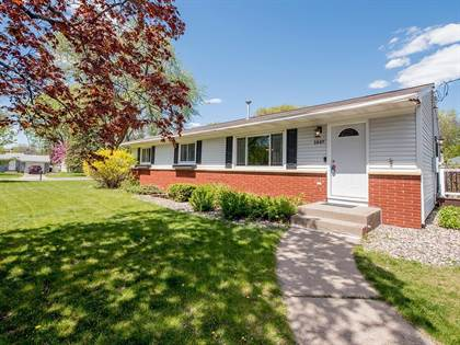 Residential for sale in 1447 Lydia Avenue W, Roseville, MN, 55113