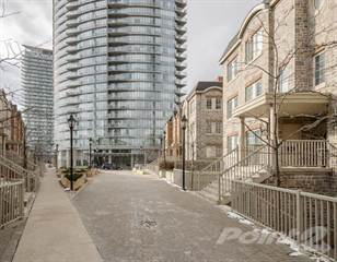 Townhouse for sale in 95 The Queensway Rd, Toronto, Ontario
