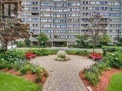 Photo of 50 ELM DR, Mississauga, ON L5A3X2