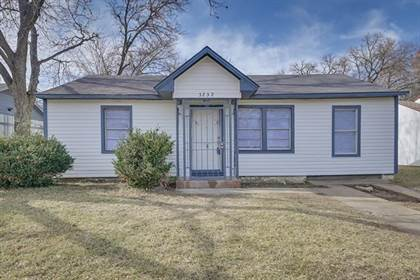 Residential for sale in 3232 Illinois Avenue, Fort Worth, TX, 76110