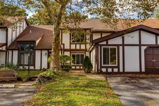 Residential Property for sale in 67 Crystal Rock Ct, Middle Island, NY, 11953