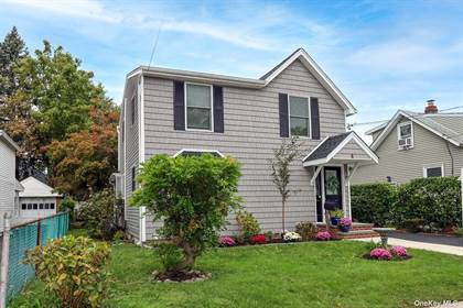 Residential Property for sale in 6 Winthrop Street, Lynbrook, NY, 11563