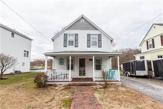 Residential for sale in 68 Sayles Avenue, Warwick, RI, 02889