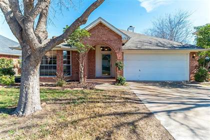 Residential for sale in 6708 Wooddale Drive, Fort Worth, TX, 76148