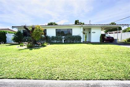 Residential for sale in 3000 SW 96th Ave, Miami, FL, 33165