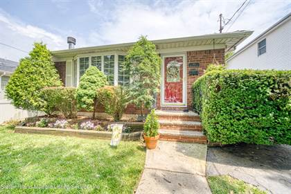 Residential Property for sale in 55 Hawthorne Avenue, Staten Island, NY, 10314