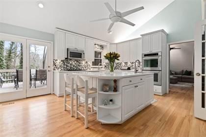Residential Property for sale in 220 Mark Trail, Sandy Springs, GA, 30328