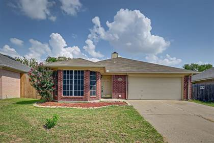 Residential for sale in 7027 Pickford Court, Arlington, TX, 76001