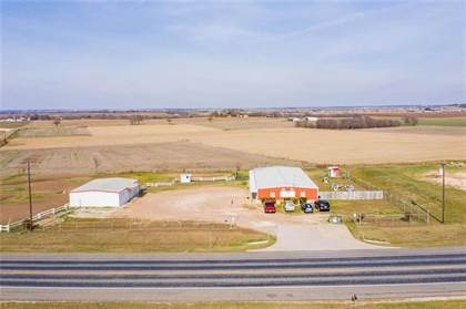 Commercial for sale in 822 T M West Parkway, West, TX, 76691