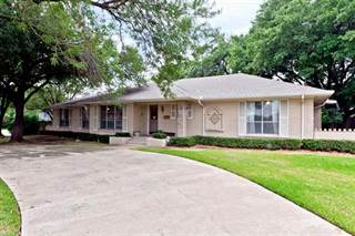 Single Family for rent in 3707 Royal Lane, Dallas, TX, 75229