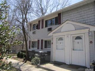 Co-op for sale in 10 Smithtown Blvd 8B, Smithtown, NY, 11787