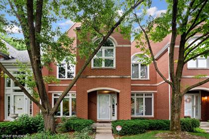Residential Property for sale in 5935 North Sauganash Lane, Chicago, IL, 60646